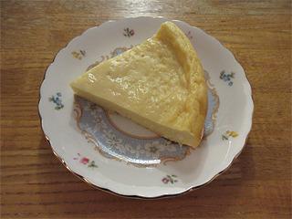 7月チーズ無しチーズケーキカット